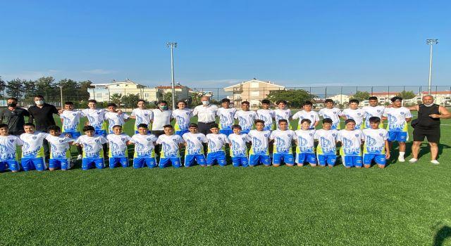 Başkan Atabay'a Futbolcular Söz Verdi