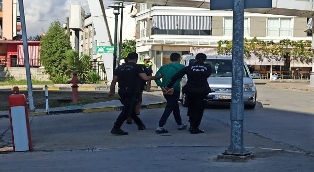 Nazilli'de Ortalık Karıştı: 1'i Polis 2 Yaralı