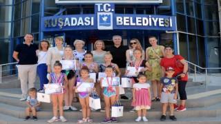 Minik Jimnastikçileri Kuşadası Belediyesi Ağırladı