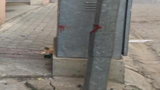 İnşaat Şantiyelerinden kaldırılmayan Elektrik Direkleri Tehlike Saçıyor