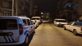 Evine Geldi Karşısında Polisleri Gördü