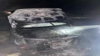 Seyir halindeki araç küle döndü