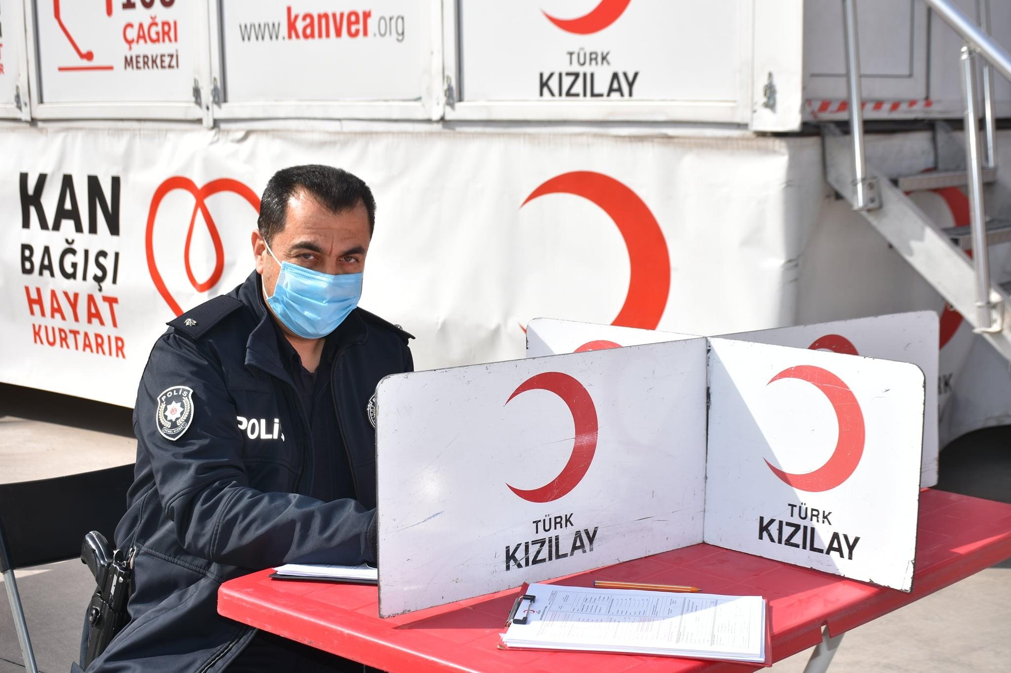 Buharkent'te kan bağışı rekoru kırıldı